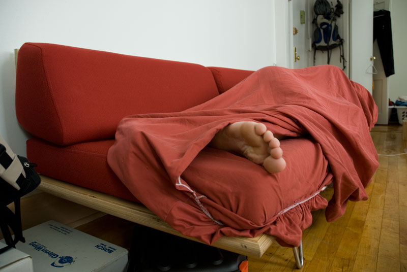 Couch surfing on the rise among the homeless nadia wu for Couch surfing